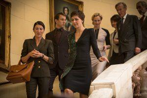 Szenenbild The Honourable Woman, Maggie Gyllenhaal