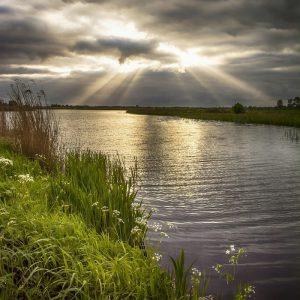 Niederlande - Fluss mit Wolken