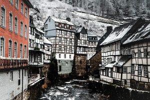 Im Winter 1962 brechen die Pocken über Monschau herein